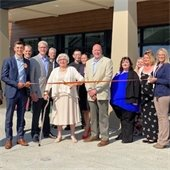 Stirlingshire of Coralville ribbon cutting