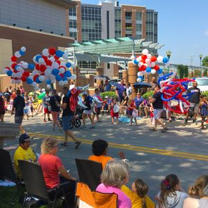 4thFest parade and balloons